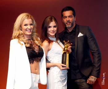 Little Caprica bekommt einen Venus Award 2019 auf der Lifestyle-und Erotikmesse
