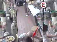 Kellnerin benutzt Hotdog als Tampon und serviert ihn