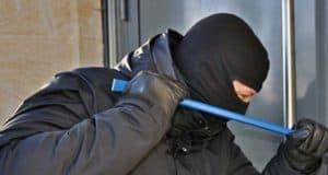 Sexgeschichte: Der Einbrecher wollte kein Geld von uns