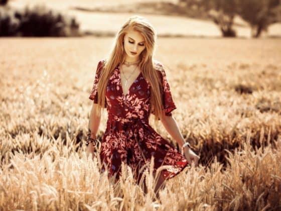 Devotes Teeniegirl Lessia Mia im Interview