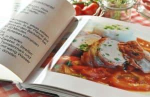 Spanische Frau schreibt Sex-Kochbuch