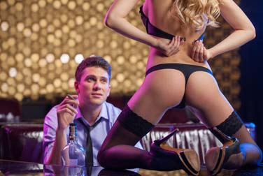 Stripping for your boyfriend: 5 hot tips