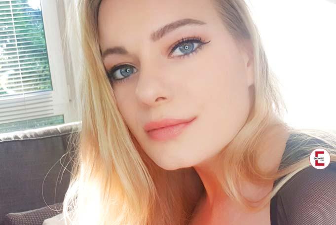 Sweet Mia XXX – Blonde Sucking Doll in Exclusive Interview